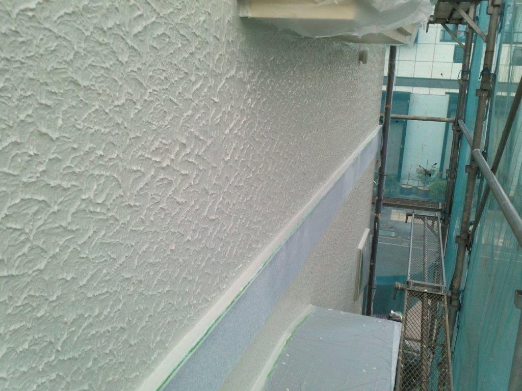 外壁の中塗り修了