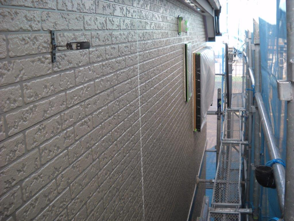 外壁の下塗り修了