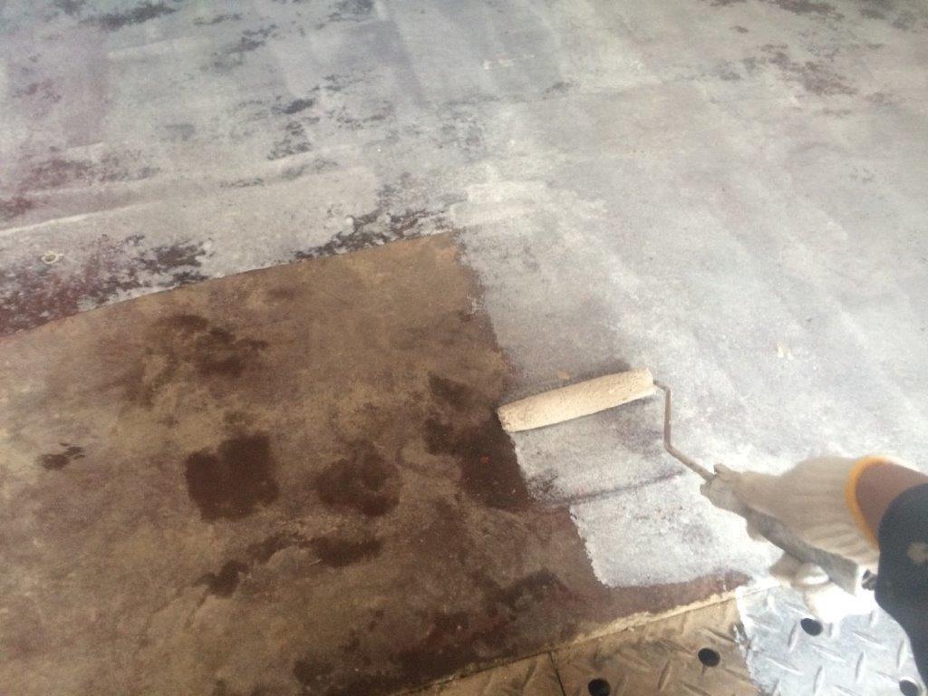 床 下塗り