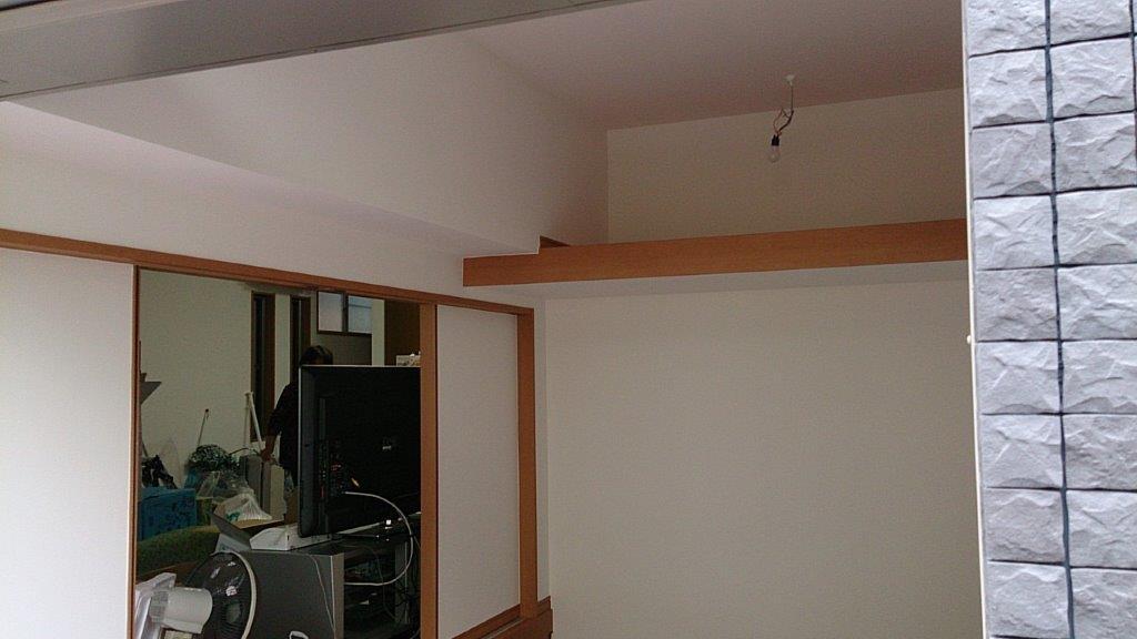 天井壁の塗装完工