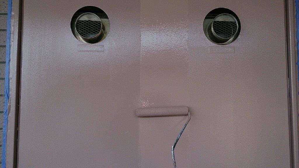 PS(パイプシャフト)扉の上塗り