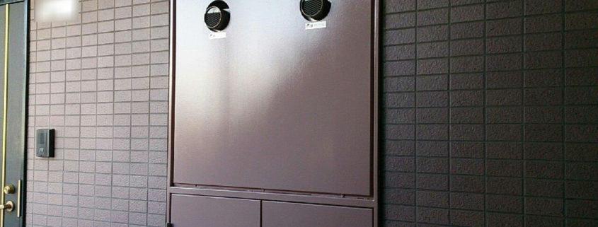 PS(パイプシャフト)扉の塗装完工