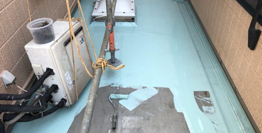 ベランダ・バルコニーのウレタン防水1層目の塗布
