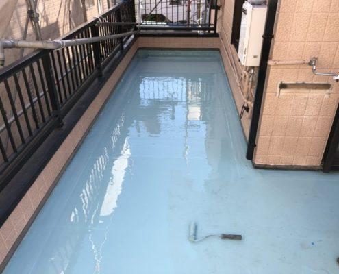 ウレタン防水2層目の塗布の修了