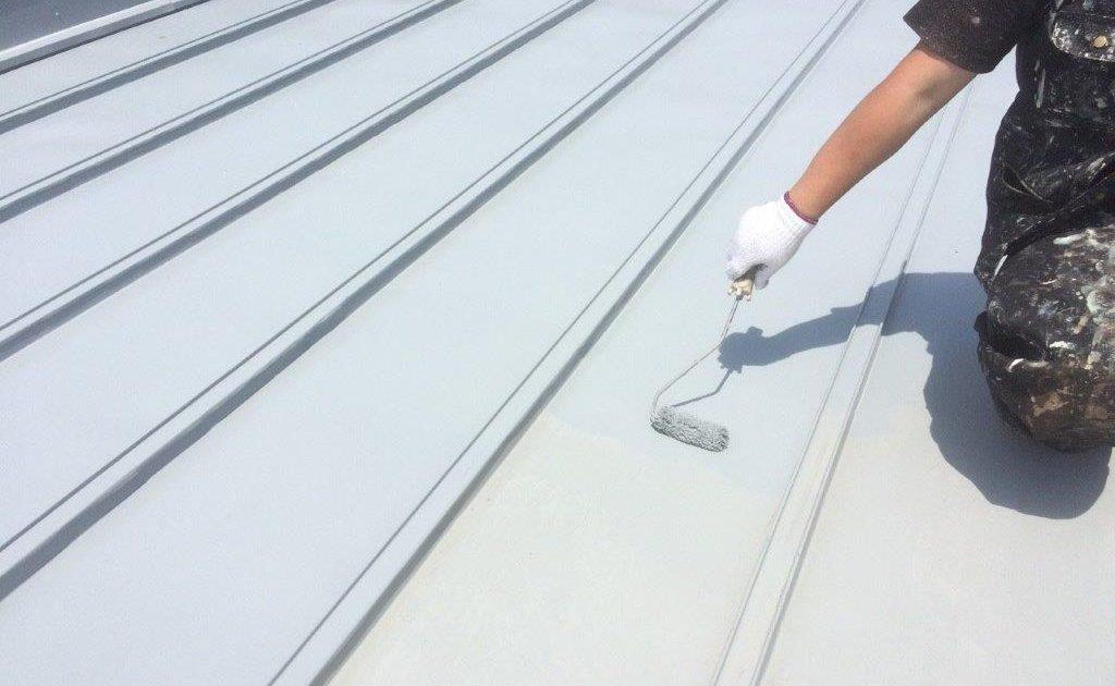 大屋根の中塗り