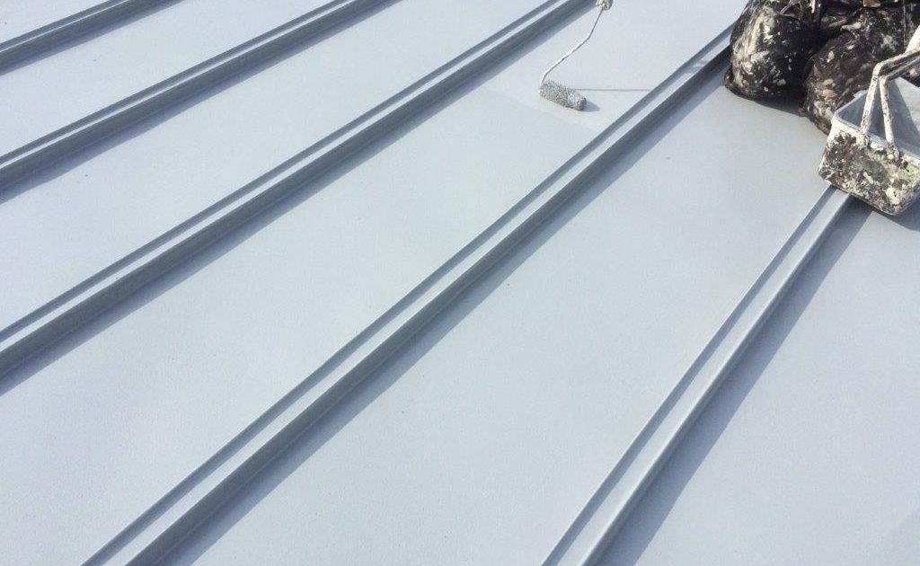 大屋根の上塗り塗装