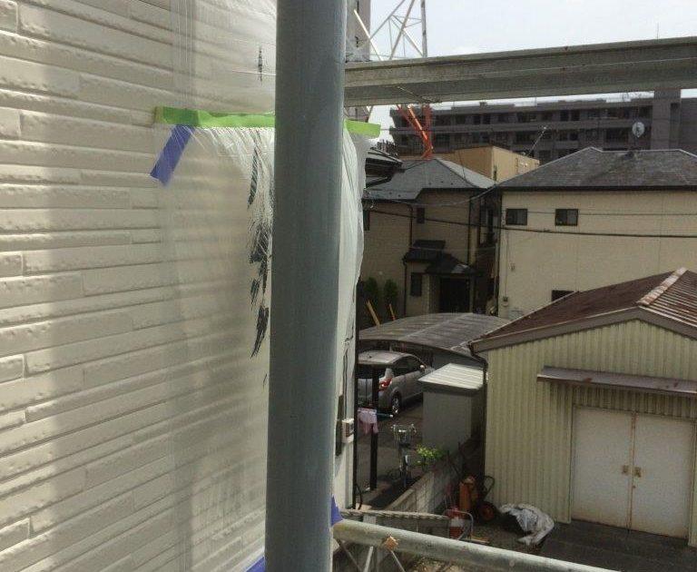 雨樋の上塗り塗装(1回目)修了