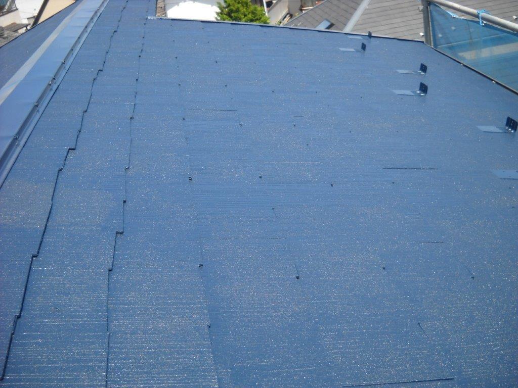 屋根の中塗り塗装 修了