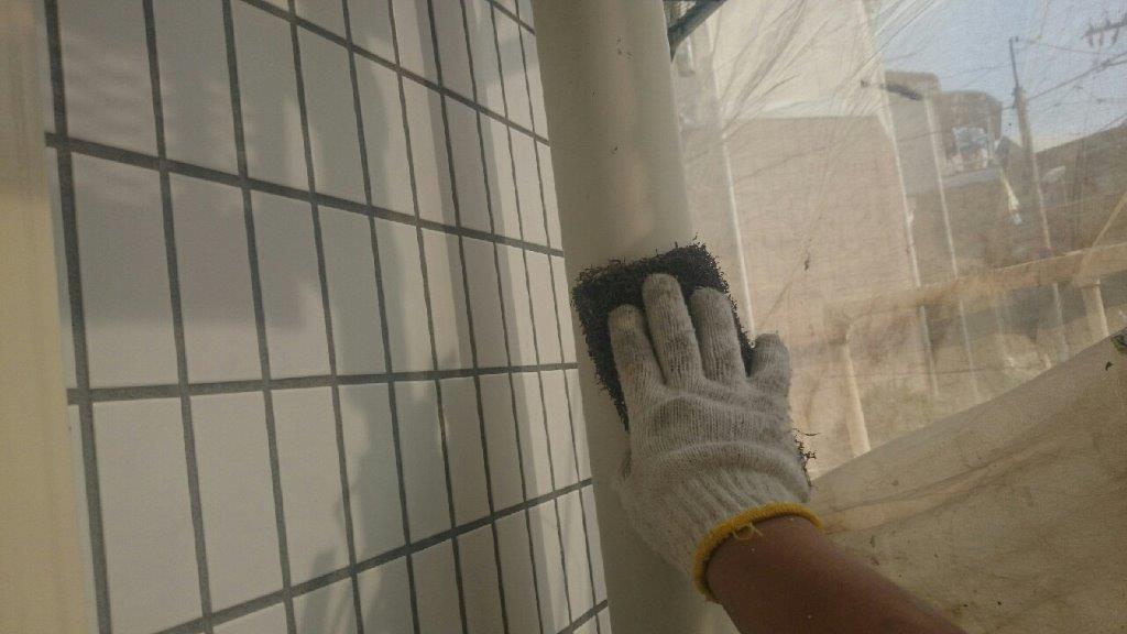 雨樋の下塗り塗装