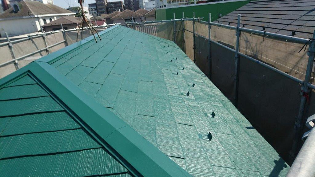 屋根の中塗り塗装 完了