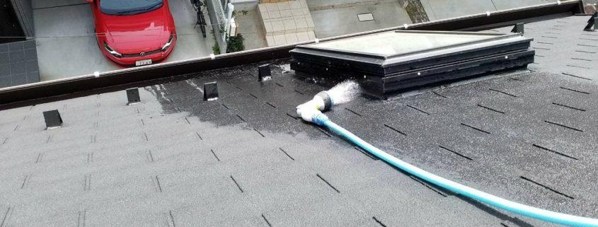 窓枠の散水調査