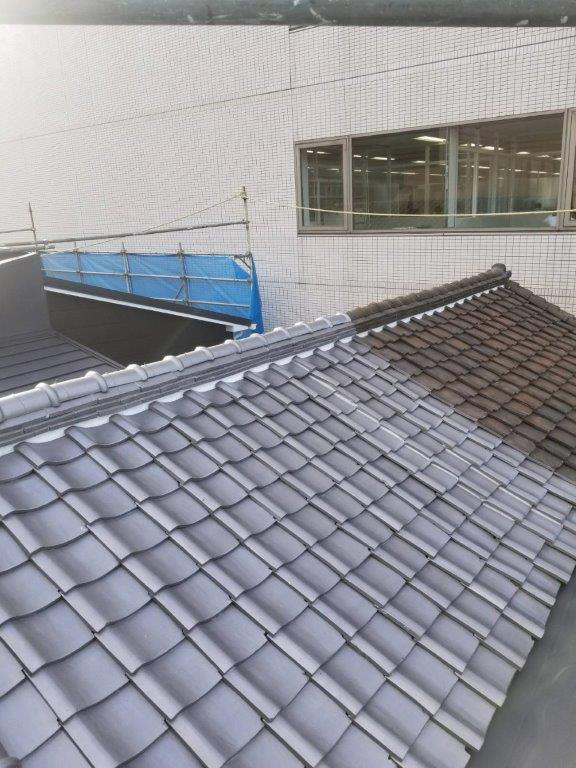 屋根瓦の塗装工事完工