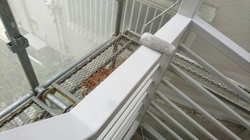 外階段(鉄部)の上塗り塗装