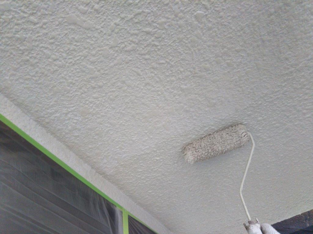 天井の中塗り塗装