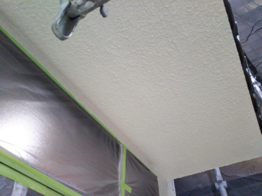 天井の上塗り塗装修了