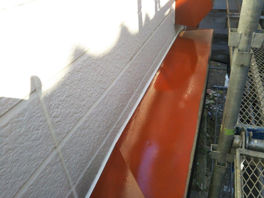 雨除けの下塗り塗装修了
