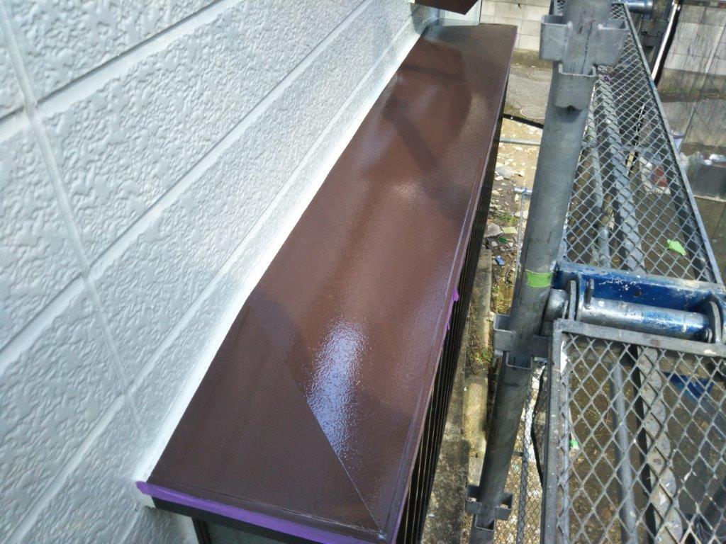 雨除けの中塗り塗装修了