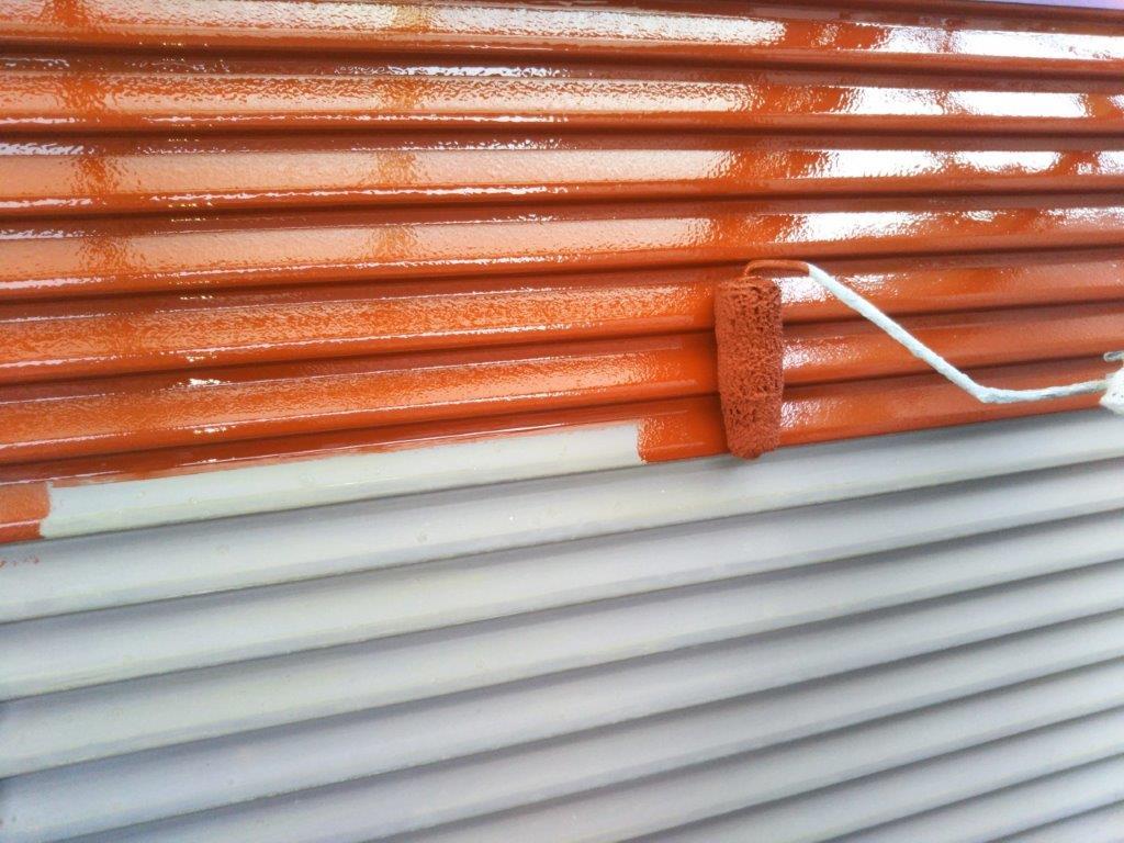 雨戸の下塗り塗装