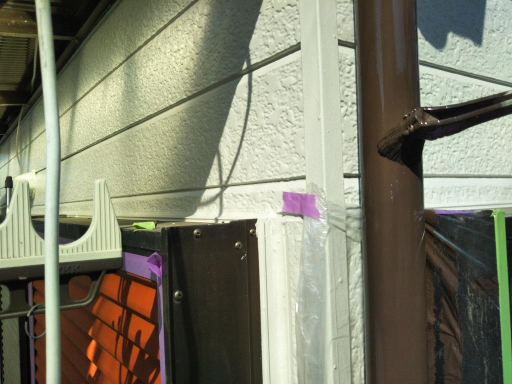 縦樋の上塗り塗装