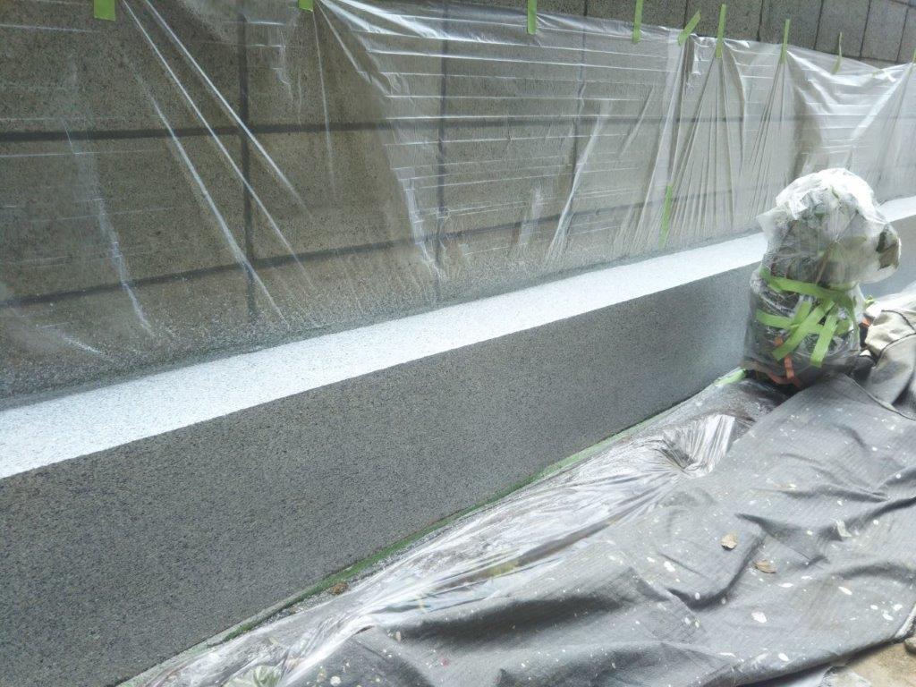 ブロック塀上塗り塗装2回目修了