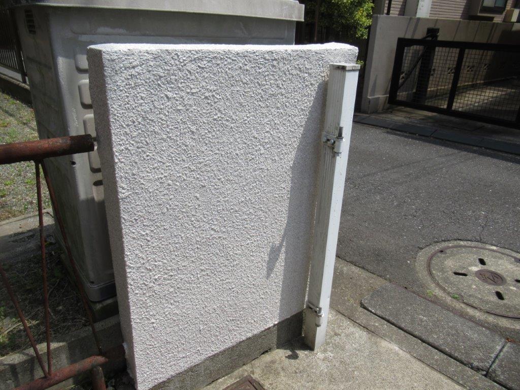 塀の塗装完工