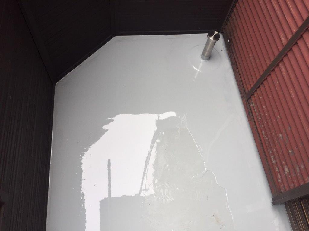 ウレタン2層目の塗装(立ち上がり・平面部)