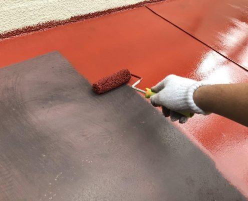下屋根の錆止め塗装