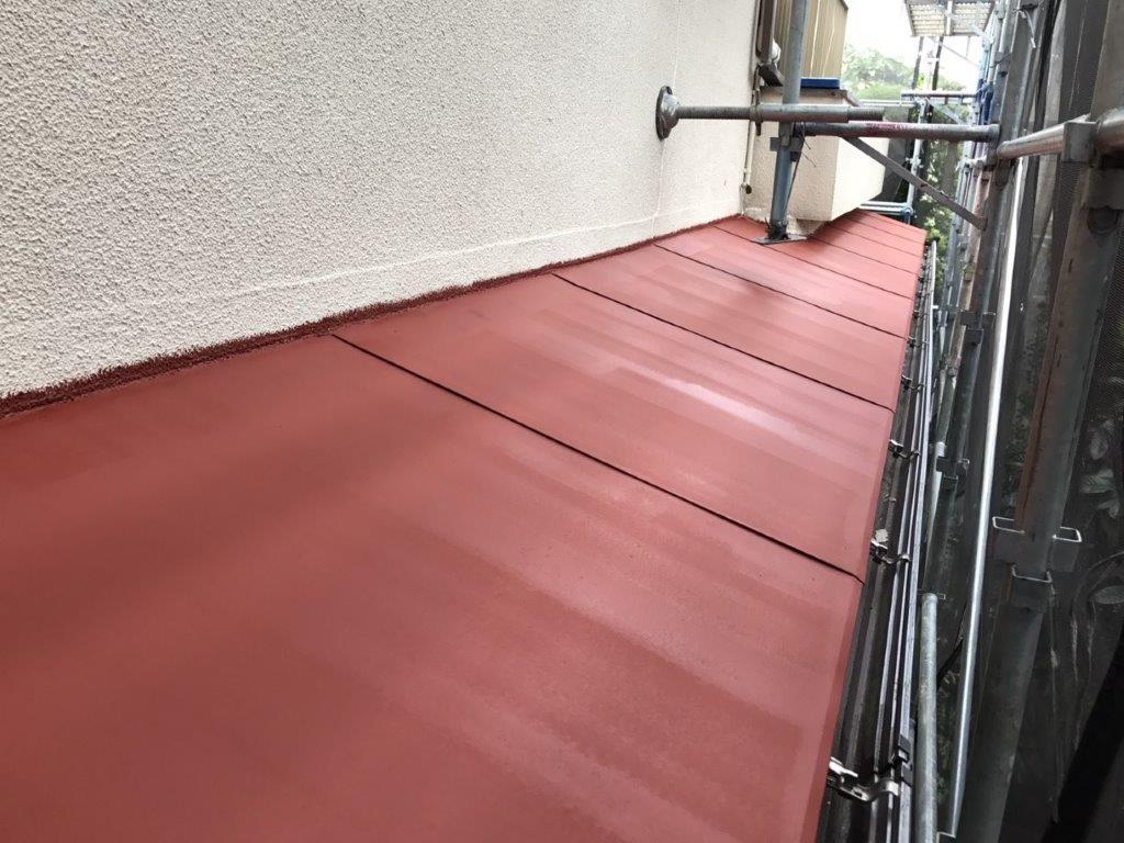 下屋根の錆止め塗装後