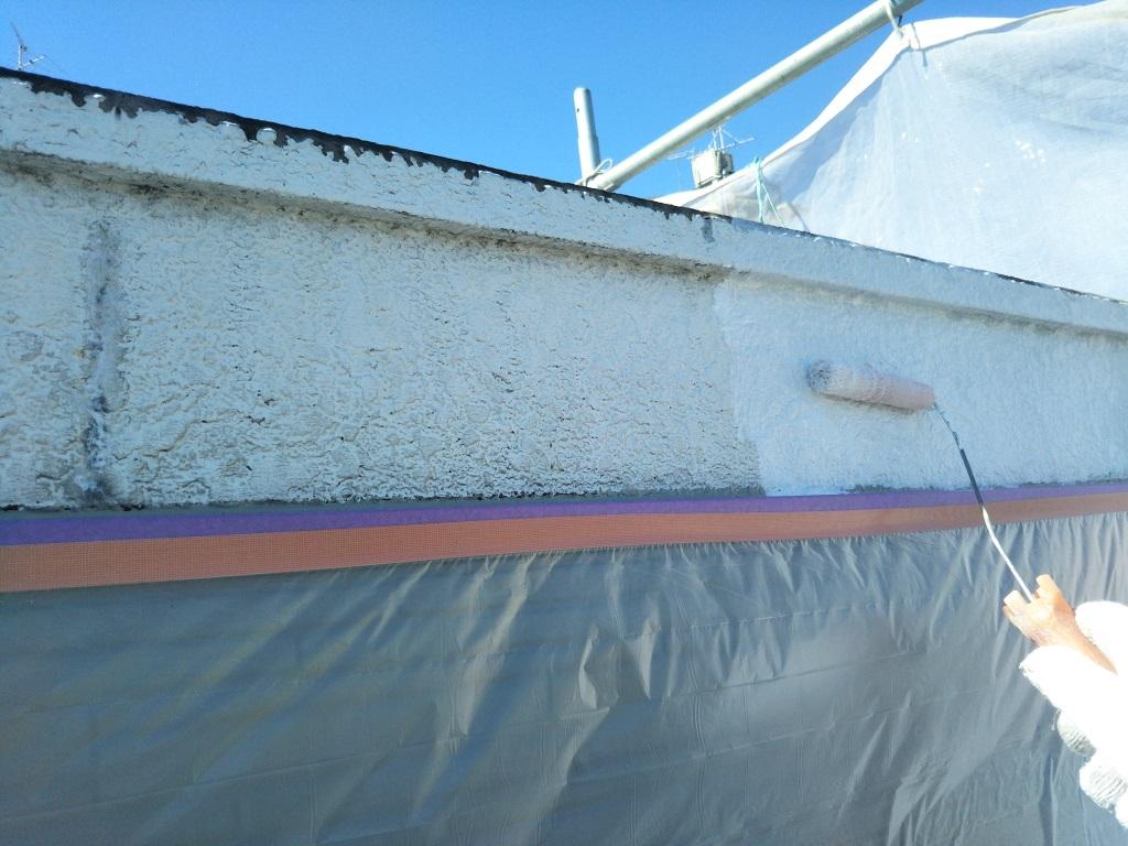 破風板 下塗り塗装中