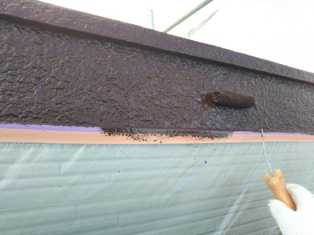 破風板の上塗り塗装