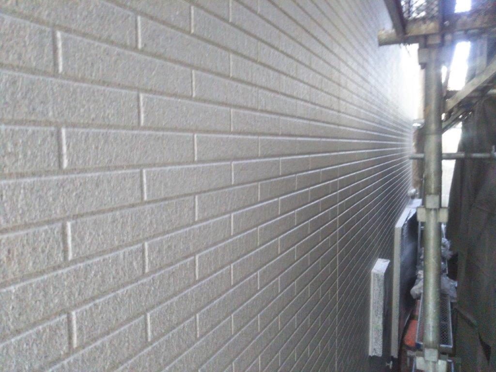外壁の吹き付け塗装後