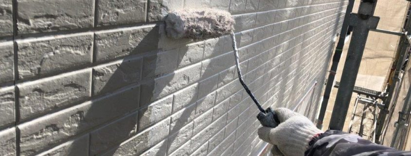 外壁の中塗り塗装