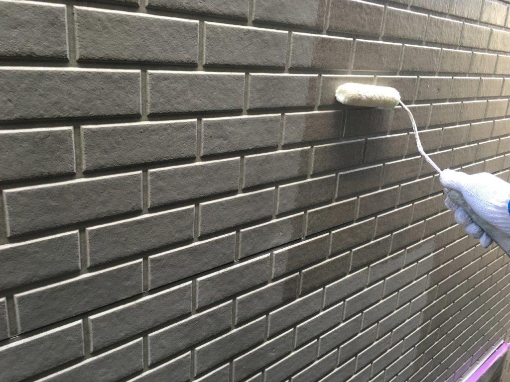 外壁の下塗り塗装