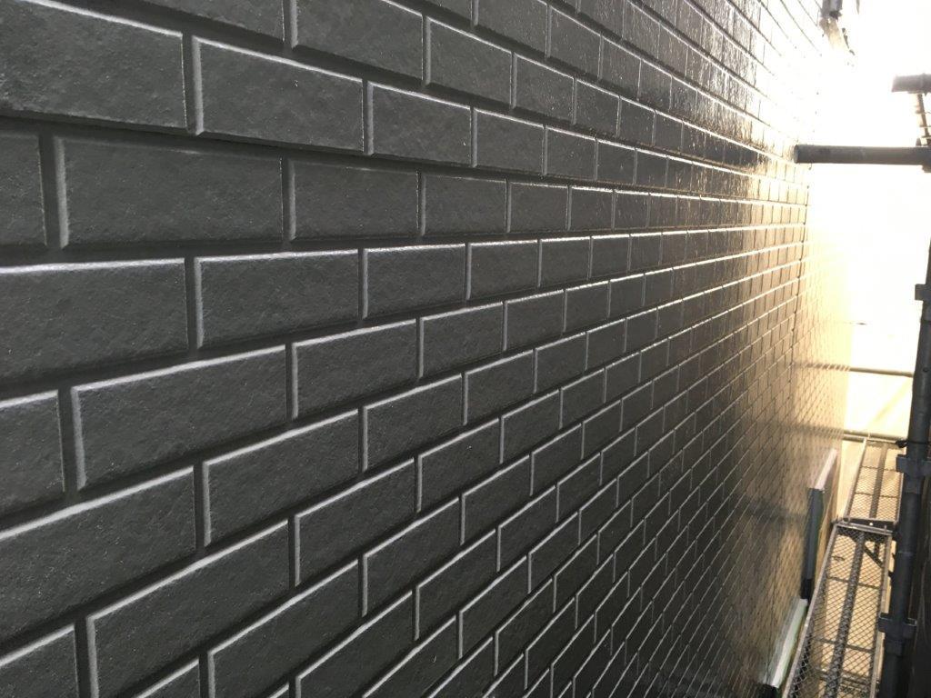 外壁の中塗り後