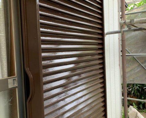雨戸(シャッター)の上塗り塗装後